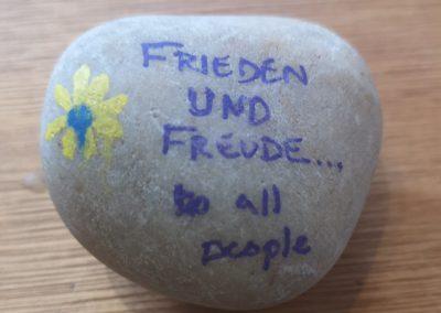 'Frieden und freude... to all people' - Sandy